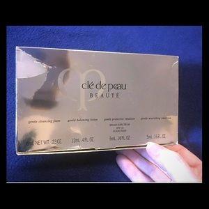 Cle de Peau Beaute Face Care Sample Pack
